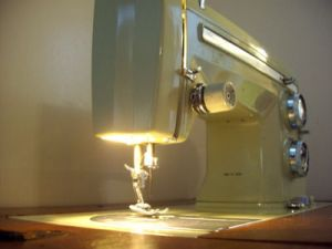 New Sewing Machine (practicecactus, Flickr)